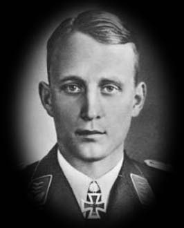 Рудольф Калдрак. 275 успешных миссий, 24 воздушных победы.